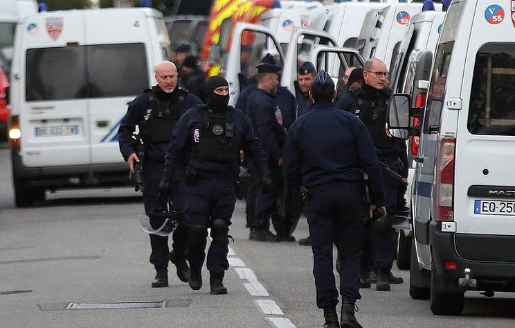 At least six injured after explosion in Lyon