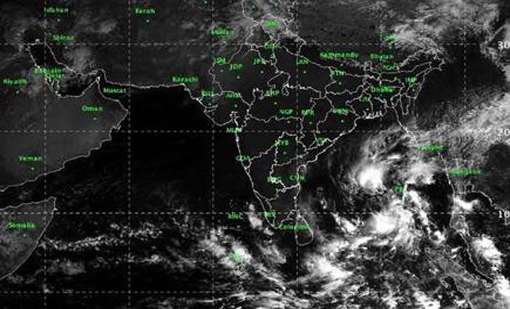 Tamil Nadu, Andhra Pradesh, Puducherry on red alert; thousands of rescue personnel on standby :: Cyclone Gaja