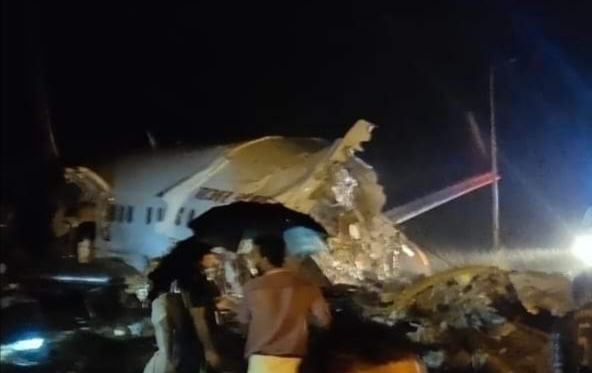 Plane crash of Air India Express in Kozhikode Airport; Aircraft breaks apart with 191 people