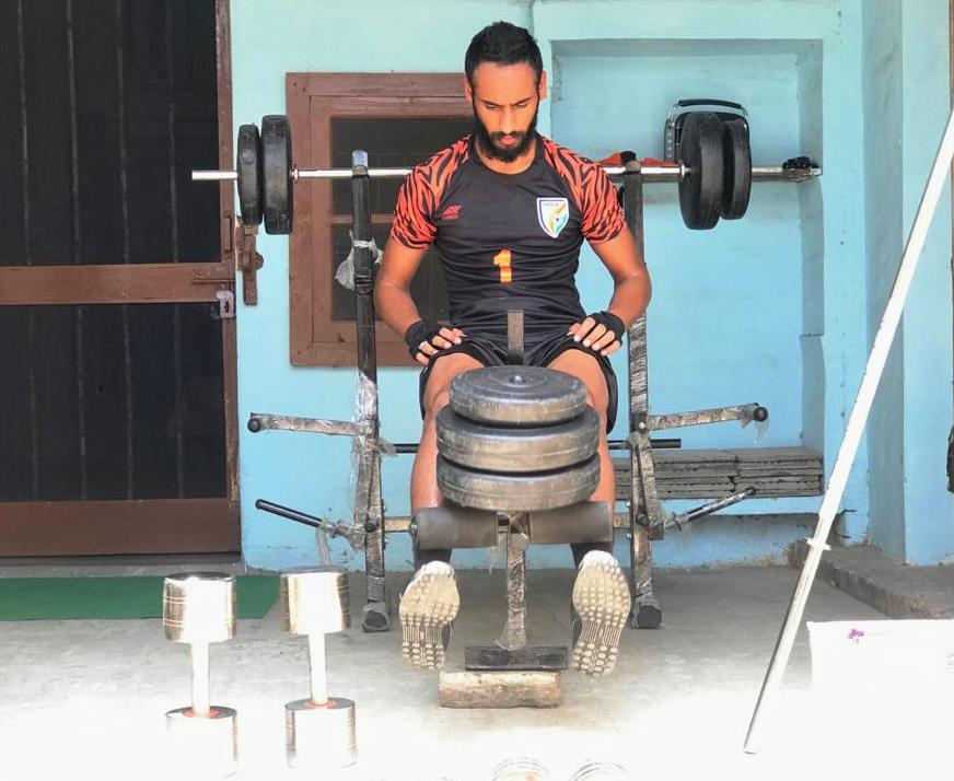 """Determined"" Prabhsukhan Gill puts together ""homemade gym"" in lockdown to stay in shape"